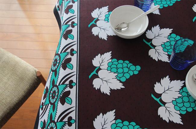 カンガ 使い方 テーブルクロス